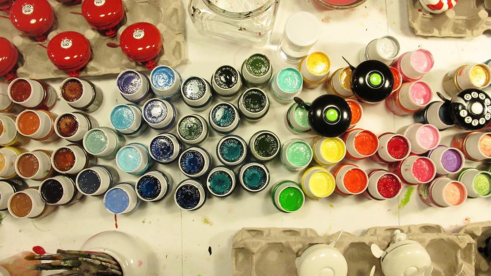 アートを感じさせるオリジナル・ハンドペイントBELL||dring dring Bellは、すべて一つ一つハンドペイントによって作られる、カラフルな色使いがかわいい自転車ベル